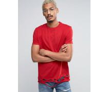 Lang geschnittenes T-Shirt mit zerschlissenem Saum in Rot Rot