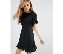 Mia Kleid mit Rüschen Schwarz