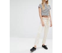 Ami Kurze Jeans mit mittelhoher Taille Cremeweiß