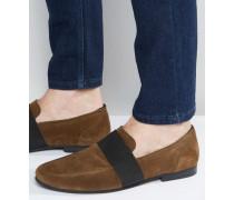 Loafer aus Wildleder mit elastischem Riemen in Khaki Grün