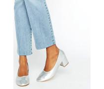 Silberfarbene Schuhe mit mittelhohem Absatz Silber
