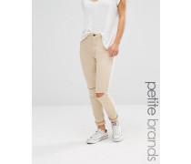 Enge Jeans mit Rissen am Knie Beige