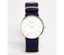 Armbanduhr mit Band aus blauem Leinen Blau