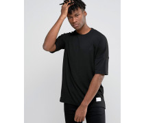 T-Shirt mit tief angesetzter Schulterpartie Schwarz
