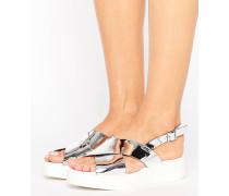 Flache Sandale in Metallic Silber