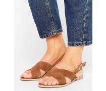 Sandale mit Überkreuzriemen Bronze