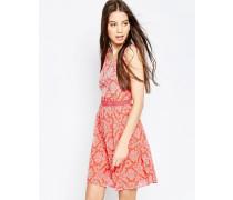 Bedrucktes Kleid mit Kontrastkragen Rosa