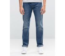 Jeans mit verschlissenem Effekt in mittlerer Waschung in regulärer Passform Blau