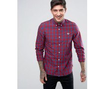 Langärmliges, rotes Hemd im Schottenkaro Rot