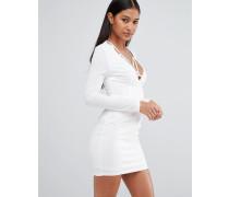Figurbetontes Kleid mit tiefem Dekolleté und Harnisch Weiß