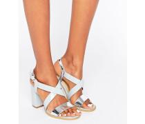 Sandale mit überkreuzten Riemchen und Blockabsatz Grau
