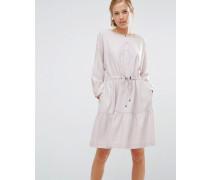 Übergroßes, gestuftes Smock-Kleid Grau
