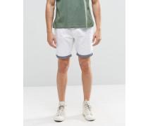 Chino-Shorts mit farblich abgesetztem Krempelsaum Weiß