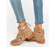 Flache Chelsea-Stiefel mit Schnalle Bronze