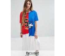 Geschlitztes T-Shirt-Kleid mit College-Print Mehrfarbig