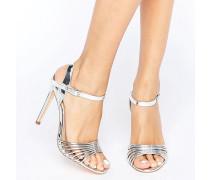 Filigrane Metallic-Sandalen mit Absatz Silber