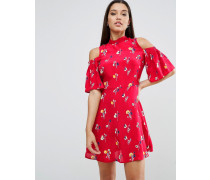 Schulterfreies Minikleid mit rotem Blumenmuster Mehrfarbig