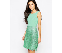 Kleid mit gehäkeltem Rock Grün