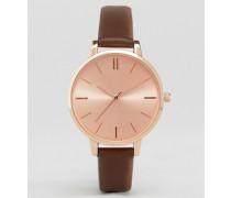 Uhr mit klassischem Zifferblatt Braun