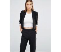 Kurze Jacke mit Wasserfalldesign Schwarz