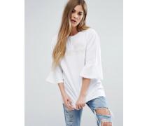 Oversize-T-Shirt mit Rüschen an den Ärmeln und farblich passendem Logo Weiß