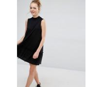 Kleid mit Rüschenbesatz Schwarz