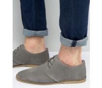 Derby-Schuhe aus grauem Wildleder mit Paspelierung Grau