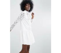 Premium Minikleid aus Spitze mit tiefer Taille und Applikationen Weiß