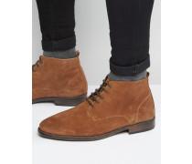 Chukka-Stiefel zum Schnüren aus brüniertem Wildleder in Hellbraun Bronze