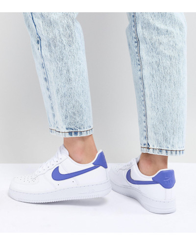Nike Damen Air Force 1 - Sneaker in Weiß und Blau