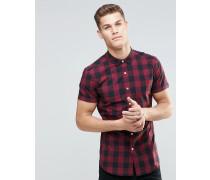 Eng geschnittenes, kurzärmeliges Hemd mit rotem Karomuster Rot