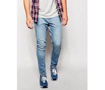 Enge Jeans in heller Waschung Blau