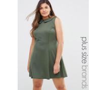 Kleid mit Kragen Grün