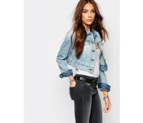 Kurze, figurnah geschnittene Jeansjacke Blau