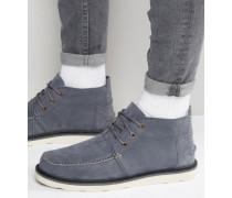 Chukka-Stiefel aus Nubukleder Grau