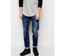 Jeans Anbass Figurbetonte Stretch-Jeans in mittlerer Waschung Blau