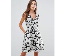 Jacquard-Kleid mit Kontrastdesign Schwarz