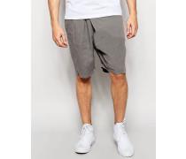 Graue, locker geschnittene Shorts mit Faltendetail vorne Grau