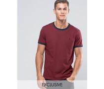 Ringer Regulär geschnittenes T-Shirt in Damson Exclusive Rot