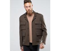 Schmal geschnittene Jacke in Khaki mit praktischen Taschen Grün