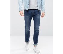 Eng geschnittene Jeans in mittlerer Waschung Blau