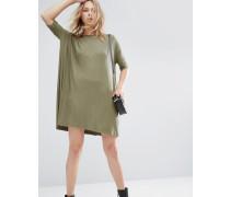 Geripptes T-Shirt-Kleid Grün