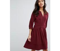 Eliza Kleid mit Bommelverzierung Rot