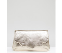 Metallic-Clutch mit rundgezacktem Design Gold