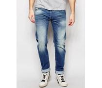 Belther 850W Enge Stretch-Jeans in Karottenform, verwaschenes Mittelblau Blau