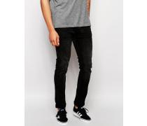 Cirrus Eng geschnittene Jeans in verwaschenem Schwarz Schwarz