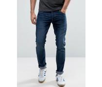 Schmale Jeans mit Stretchanteil Schwarz