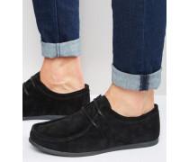 Schnürschuhe aus schwarzem Wildleder mit schwarzer Sohle Schwarz