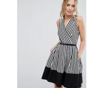 Closet Gestreiftes Skaterkleid mit Wikeloptik vorne und Gürtel Mehrfarbig