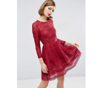 Premium Skaterkleid aus Spitze Rot